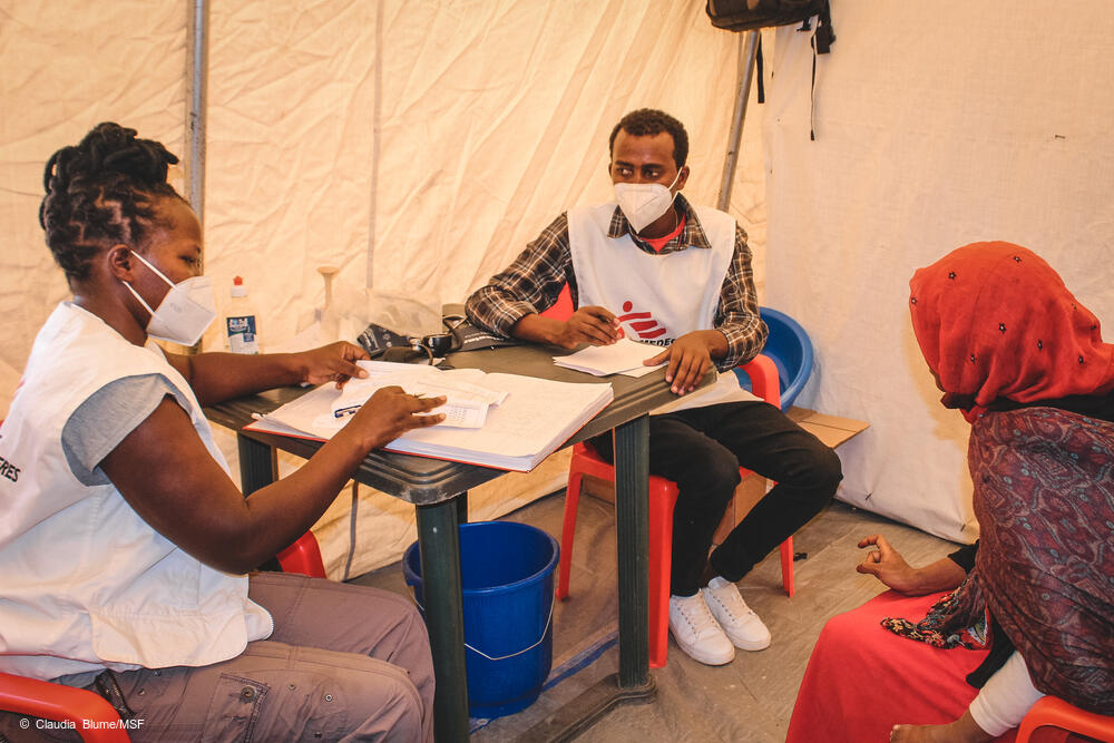 MSF midwives during an antenatal consultation