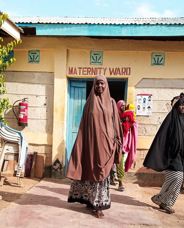 Fowzia Mohamed Abdule outside the maternity ward in Dagahaley