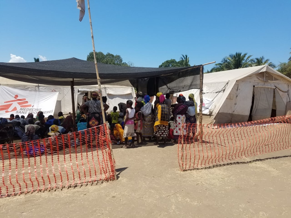 Beneficiaries wait to receive medical consultations at the MSF clinic in Pemba