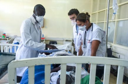 MSF Doctors attending to a patient at the Homa Bay hospital