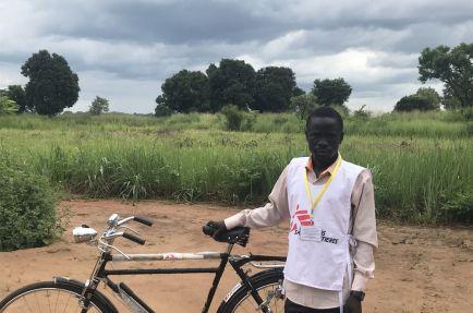 Mundri Community Outreach [Photo: Tom Casey/MSF]
