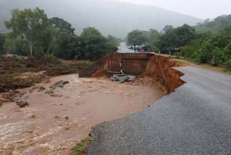 A road in Zimbabwe has been partly washed away following devastation caused by Cyclone Idai, 15 March 2019.