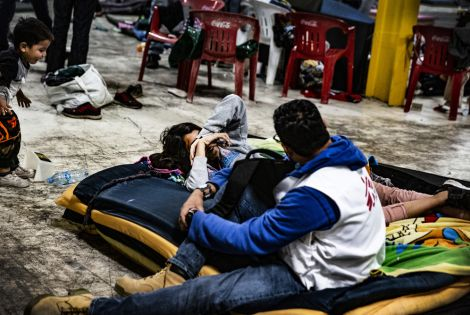 an MSF team works in Piedras Negras, Coahuila, (northern Mexico), following the arrival of a caravan of 1,700 migrants.  [©Juan Carlos Tomasi / Médecins Sans Frontières]